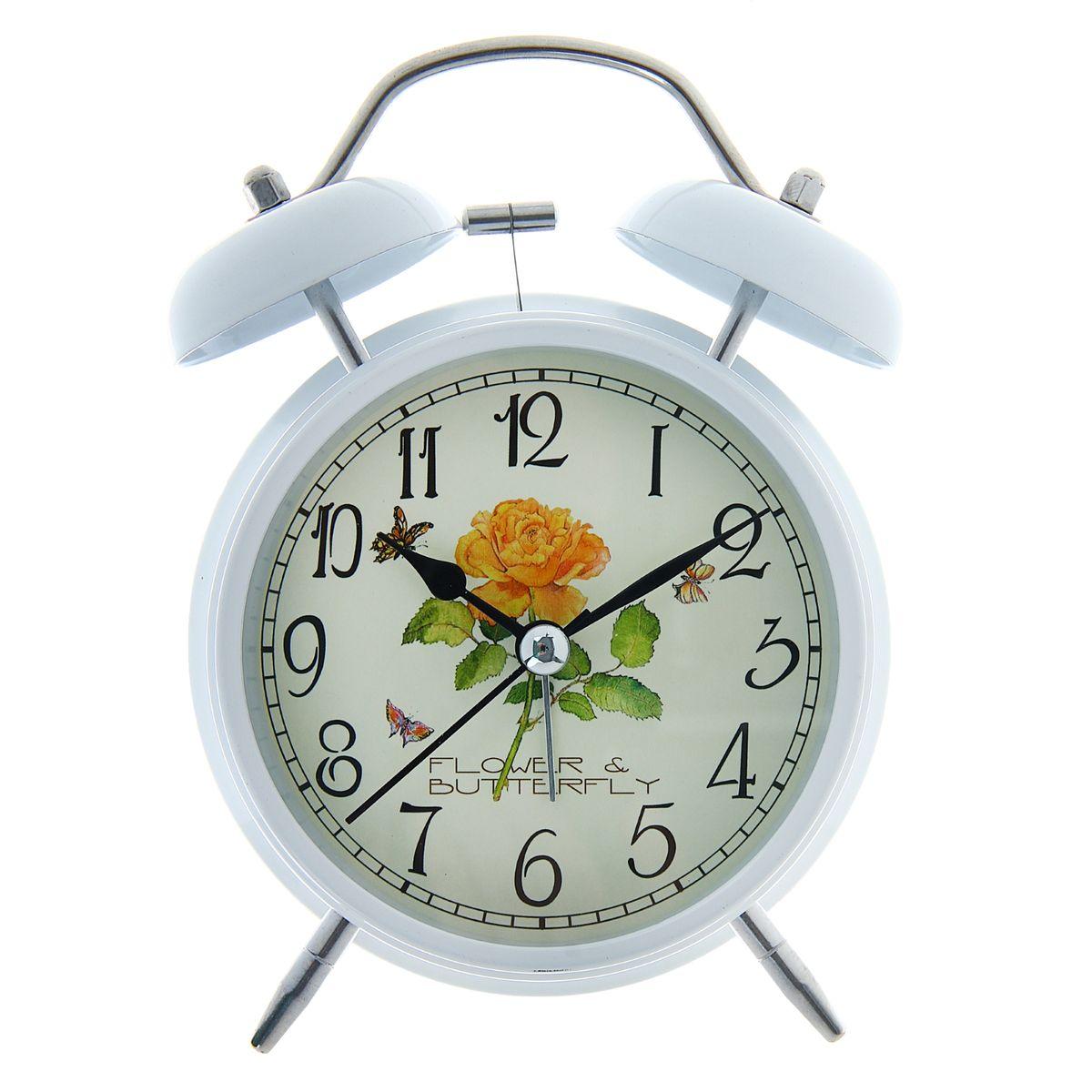 Часы-будильник Sima-land Flower & Butterfly556717Как же сложно иногда вставать вовремя! Всегда так хочется поспать еще хотя бы 5 минут и бывает, что мы просыпаем. Теперь этого не случится! Яркий, оригинальный будильник Sima-land Flower & Butterfly поможет вам всегда вставать в нужное время и успевать везде и всюду. Корпус будильника выполнен из металла. Циферблат оформлен изображением цветов и бабочек. Часы снабжены 4 стрелками (секундная, минутная, часовая и для будильника). На задней панели будильника расположен переключатель включения/выключения механизма, а также два колесика для настройки текущего времени и времени звонка будильника. Изделие снабжено подсветкой, которая включается нажатием на кнопку с задней стороны корпуса. Пользоваться будильником очень легко: нужно всего лишь поставить батарейку, настроить точное время и установить время звонка. Необходимо докупить 1 батарейку типа АА (не входит в комплект).