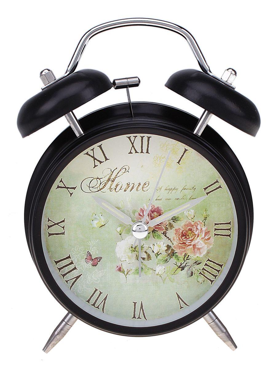 Часы-будильник Sima-land. 556719556719Как же сложно иногда вставать вовремя! Всегда так хочется поспать еще хотя бы 5 минут и бывает, что мы просыпаем. Теперь этого не случится! Яркий, оригинальный будильник Sima-land поможет вам всегда вставать в нужное время и успевать везде и всюду. Время показывает точно и будит в установленный час. Будильник украсит вашу комнату и приведет в восхищение друзей. На задней панели будильника расположены переключатель включения/выключения механизма и два колесика для настройки текущего времени и времени звонка будильника. Также будильник оснащен кнопкой, при нажатии и удержании которой, подсвечивается циферблат. Будильник работает от 1 батарейки типа AA напряжением 1,5V (не входит в комплект).