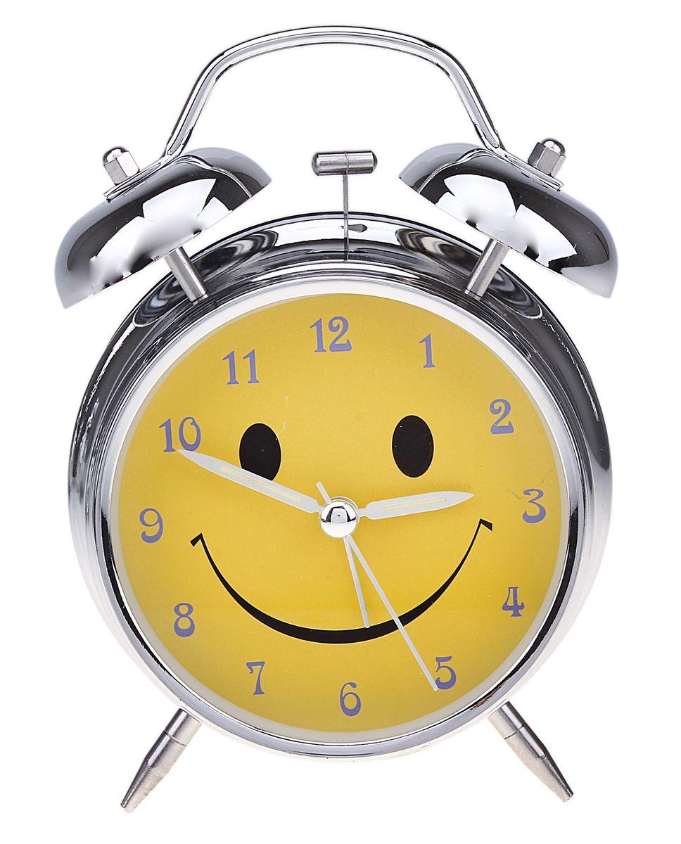 Часы-будильник Sima-land. 556723556723Как же сложно иногда вставать вовремя! Всегда так хочется поспать еще хотя бы 5 минут и бывает, что мы просыпаем. Теперь этого не случится! Яркий, оригинальный будильник Sima-land поможет вам всегда вставать в нужное время и успевать везде и всюду. Время показывает точно и будит в установленный час. Будильник украсит вашу комнату и приведет в восхищение друзей. На задней панели будильника расположены переключатель включения/выключения механизма и два колесика для настройки текущего времени и времени звонка будильника. Также будильник оснащен кнопкой, при нажатии и удержании которой, подсвечивается циферблат. Будильник работает от 1 батарейки типа AA напряжением 1,5V (не входит в комплект).