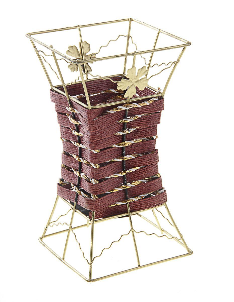 Ваза плетеная Sima-land Бабочки, высота 19 см656120Плетеная ваза Sima-land Бабочки станет прекрасным украшением интерьера. Ваза выполнена из металла с золотистым покрытием и дополнена плетением из лозы. Изделие прекрасно подойдет для декора и станет изюминкой в окружающей обстановке.