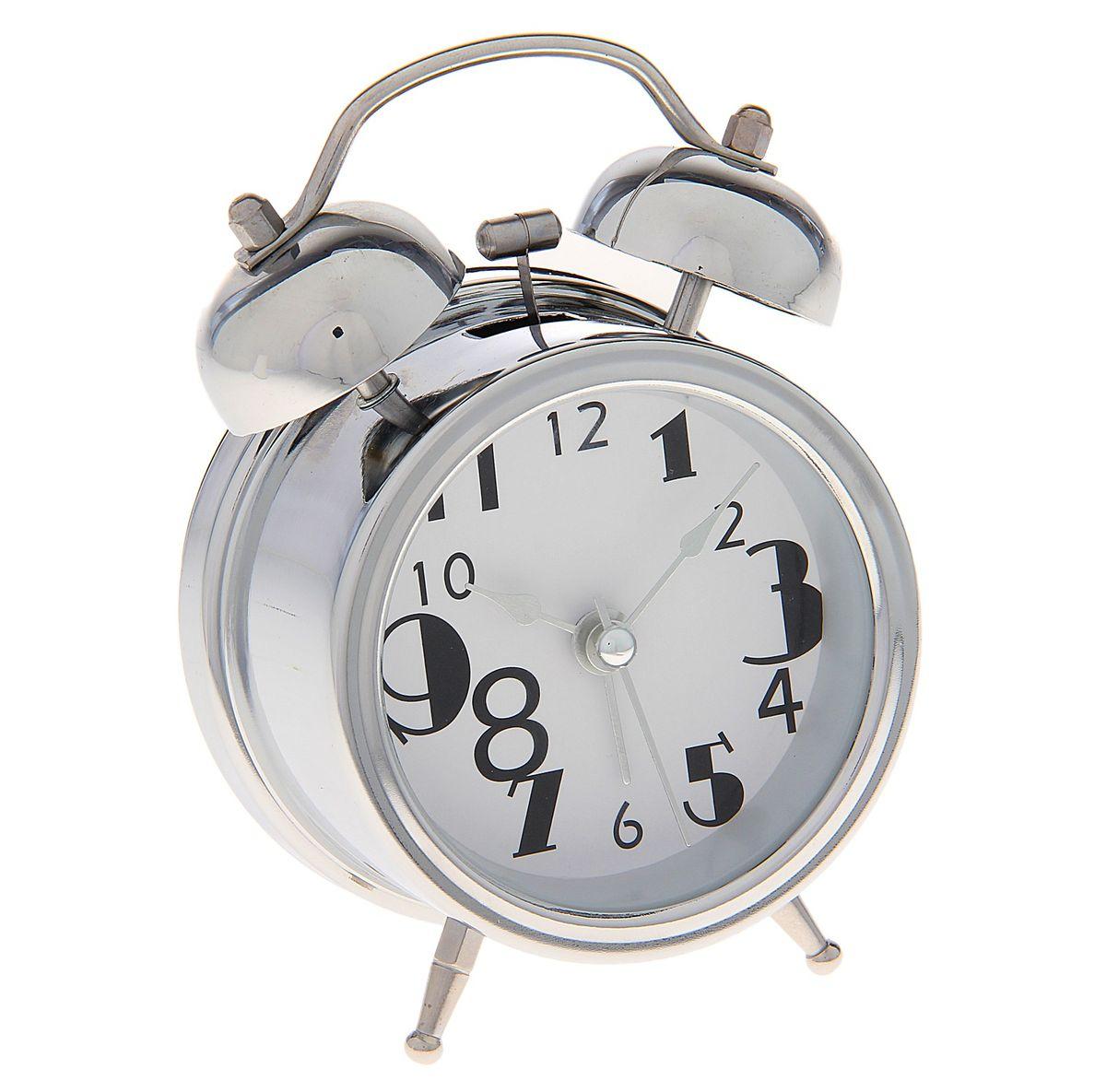 Часы-будильник Sima-land. 720815720815Как же сложно иногда вставать вовремя! Всегда так хочется поспать еще хотя бы 5 минут и бывает, что мы просыпаем. Теперь этого не случится! Яркий, оригинальный будильник Sima-land поможет вам всегда вставать в нужное время и успевать везде и всюду. Время показывает точно и будит в установленный час. Будильник украсит вашу комнату и приведет в восхищение друзей. На задней панели будильника расположены переключатель включения/выключения механизма и два колесика для настройки текущего времени и времени звонка будильника. Также будильник оснащен кнопкой, при нажатии и удержании которой, подсвечивается циферблат. Будильник работает от 1 батарейки типа AA напряжением 1,5V (не входит в комплект).
