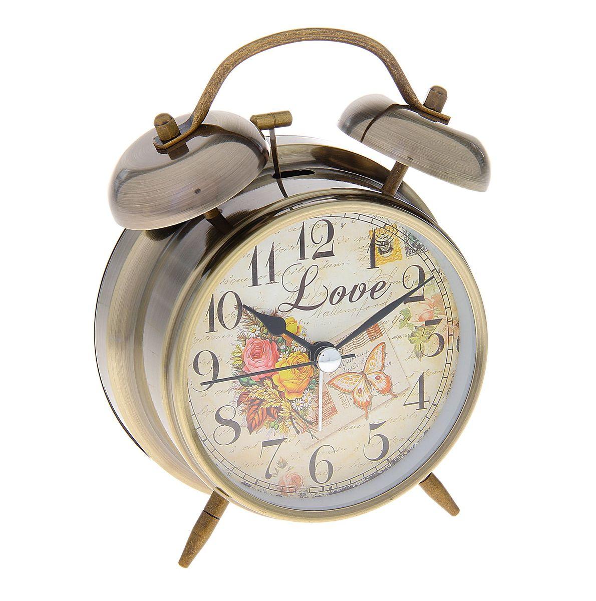 Часы-будильник Sima-land. 720859720859Как же сложно иногда вставать вовремя! Всегда так хочется поспать еще хотя бы 5 минут и бывает, что мы просыпаем. Теперь этого не случится! Яркий, оригинальный будильник Sima-land поможет вам всегда вставать в нужное время и успевать везде и всюду. Время показывает точно и будит в установленный час. Будильник украсит вашу комнату и приведет в восхищение друзей. На задней панели будильника расположены переключатель включения/выключения механизма и два колесика для настройки текущего времени и времени звонка будильника. Также будильник оснащен кнопкой, при нажатии и удержании которой, подсвечивается циферблат. Будильник работает от 2 батареек типа AA напряжением 1,5V (не входят в комплект).