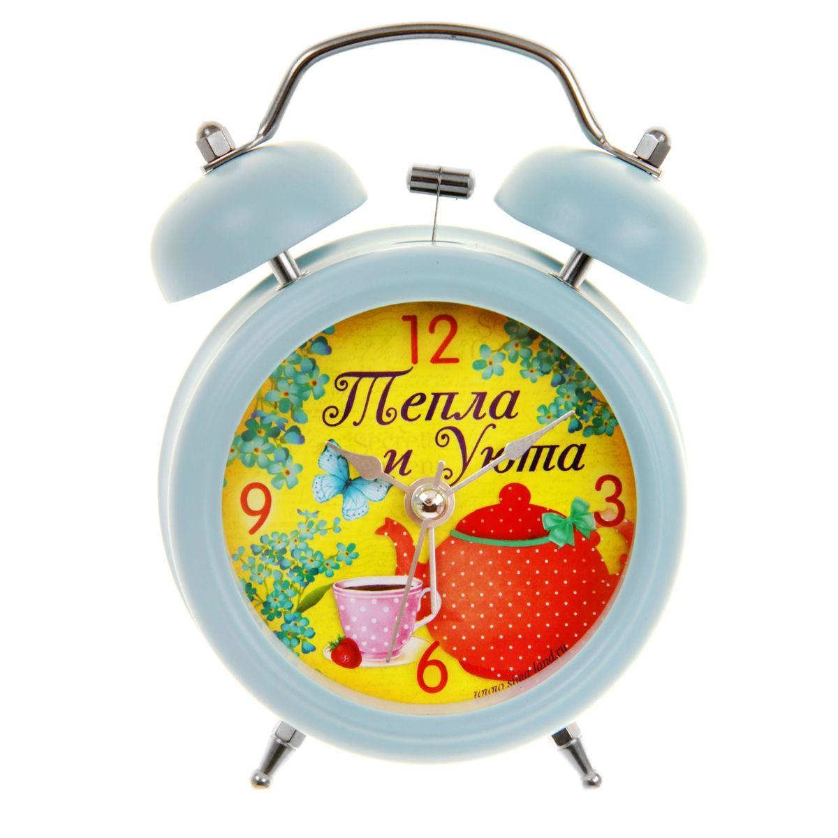 Часы-будильник Sima-land Тепла и уюта839675Как же сложно иногда вставать вовремя! Всегда так хочется поспать еще хотя бы 5 минут и бывает, что мы просыпаем. Теперь этого не случится! Яркий, оригинальный будильник Sima-land Тепла и уюта поможет вам всегда вставать в нужное время и успевать везде и всюду. Будильник украсит вашу комнату и приведет в восхищение друзей. Время показывает точно и будит в установленный час. На задней панели будильника расположены переключатель включения/выключения механизма, а также два колесика для настройки текущего времени и времени звонка будильника. Также будильник оснащен кнопкой, при нажатии и удержании которой, подсвечивается циферблат. Будильник работает от 1 батарейки типа AA напряжением 1,5V (не входит в комплект).