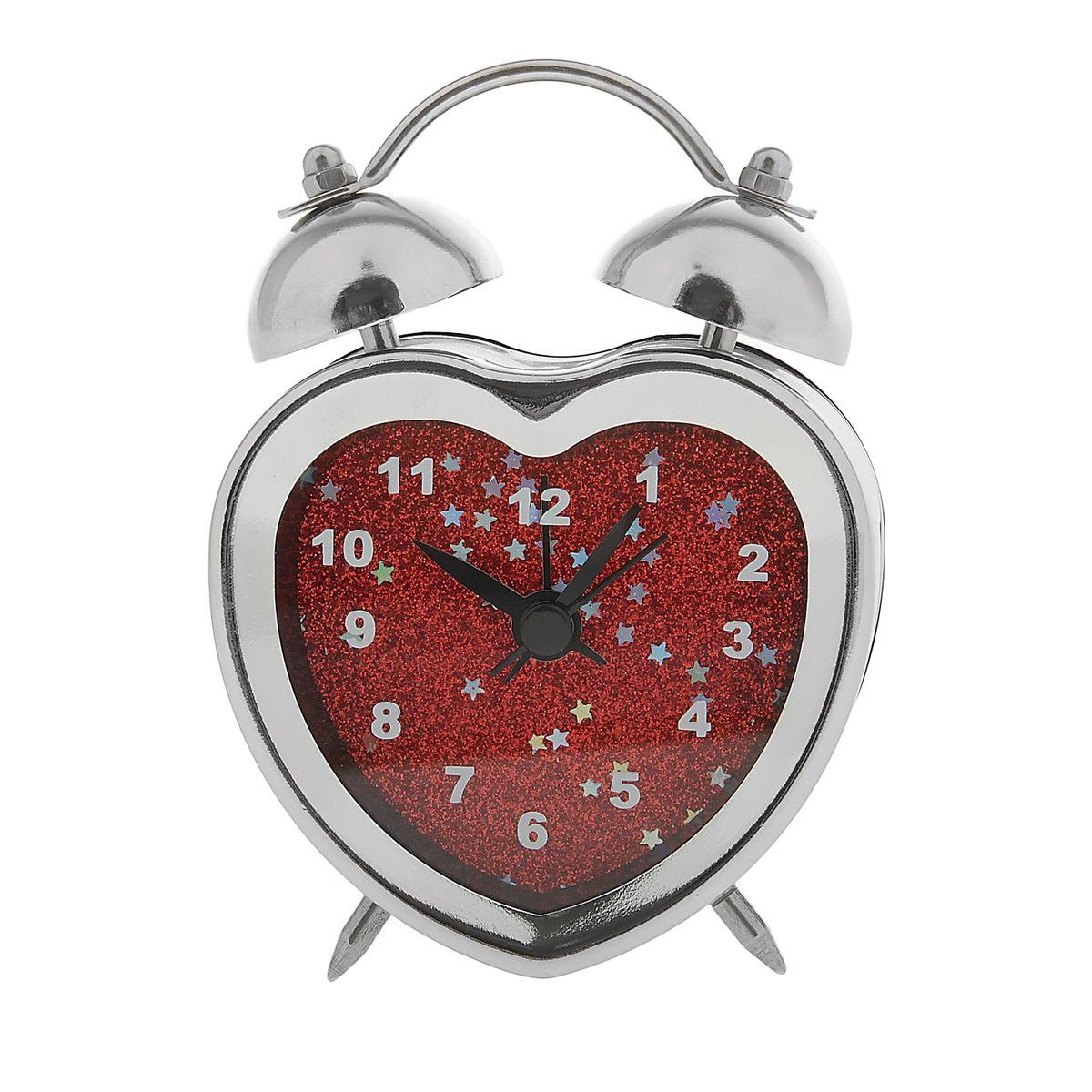 Часы-будильник Sima-land Сердце. 843481843481Как же сложно иногда вставать вовремя! Всегда так хочется поспать еще хотя бы 5 минут и бывает, что мы просыпаем. Теперь этого не случится! Яркий, оригинальный будильник Sima-land Сердце поможет вам всегда вставать в нужное время и успевать везде и всюду. Корпус будильника в форме сердца выполнен из хромированного металла. Циферблат оформлен красными блестками. Часы снабжены 4 стрелками (секундная, минутная, часовая и для будильника). На задней панели будильника расположен переключатель включения/выключения механизма, а также два колесика для настройки текущего времени и времени звонка будильника. Пользоваться будильником очень легко: нужно всего лишь поставить батарейку, настроить точное время и установить время звонка. Будильник Сердце - привлекательная деталь в обстановке, которая поможет воплотить вашу интерьерную идею, создать неповторимую атмосферу в вашем доме. Окружите себя приятными мелочами, пусть они радуют взгляд и дарят гармонию. ...