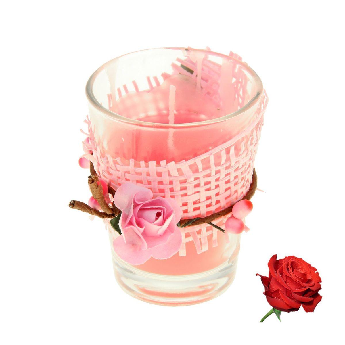 Свеча ароматизированная Sima-land Влечение. Роза, высота 6 см896686Ароматизированная свеча Sima-land Влечение. Роза изготовлена из воска и поставляется в подсвечнике в виде стеклянного стакана, оформленного декоративным элементом. Изделие отличается оригинальным дизайном и приятным ароматом. Такая свеча может стать отличным подарком или создаст незабываемую атмосферу праздника в вашем доме. Диаметр свечи по верхнему краю: 4,5 см.