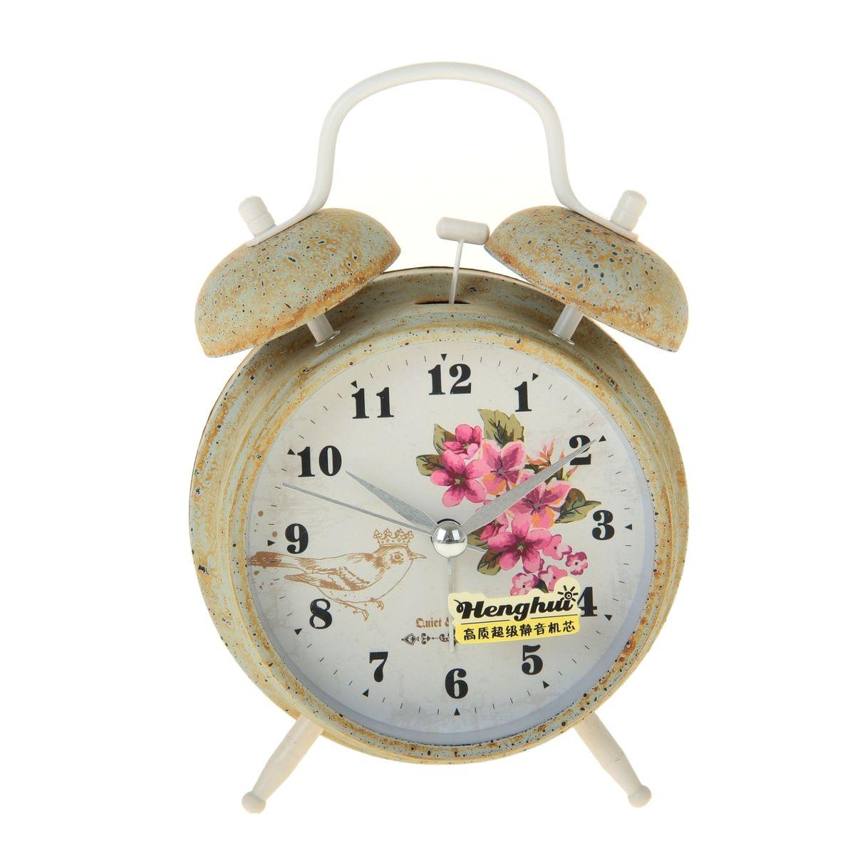 Часы-будильник Sima-land. 906612906612Как же сложно иногда вставать вовремя! Всегда так хочется поспать еще хотя бы 5 минут и бывает, что мы просыпаем. Теперь этого не случится! Яркий, оригинальный будильник Sima-land поможет вам всегда вставать в нужное время и успевать везде и всюду. Время показывает точно и будит в установленный час. Будильник украсит вашу комнату и приведет в восхищение друзей. На задней панели будильника расположены переключатель включения/выключения механизма и два колесика для настройки текущего времени и времени звонка будильника. Также будильник оснащен кнопкой, при нажатии и удержании которой, подсвечивается циферблат. Будильник работает от 1 батарейки типа AA напряжением 1,5V (не входит в комплект).