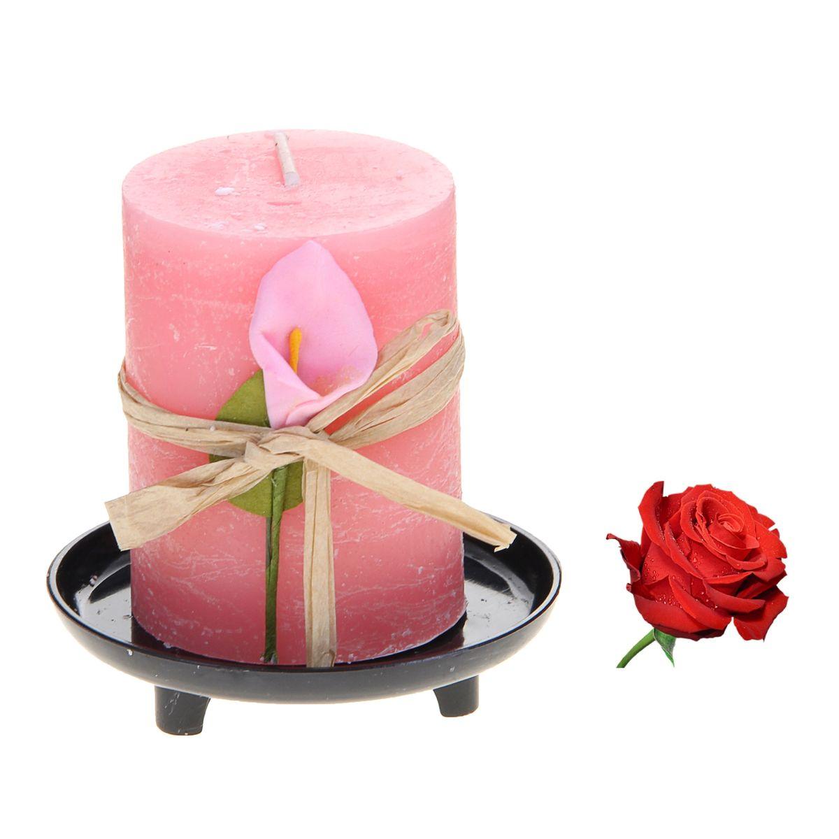 Свеча ароматизированная Sima-land Роза, на подставке, высота 6 см907698Свеча Sima-land Роза выполнена из воска в виде столбика. Свеча порадует ярким дизайном и насыщенным ароматом розы, который понравится как женщинам, так и мужчинам. Изделие размещено на оригинальной пластиковой подставке. Создайте для себя и своих близких незабываемую атмосферу праздника в доме. Ароматическая свеча Sima-land Роза раскрасит серые будни яркими красками. Высота свечи (без учета подставки): 6 см. Высота подставки: 1,5 см.