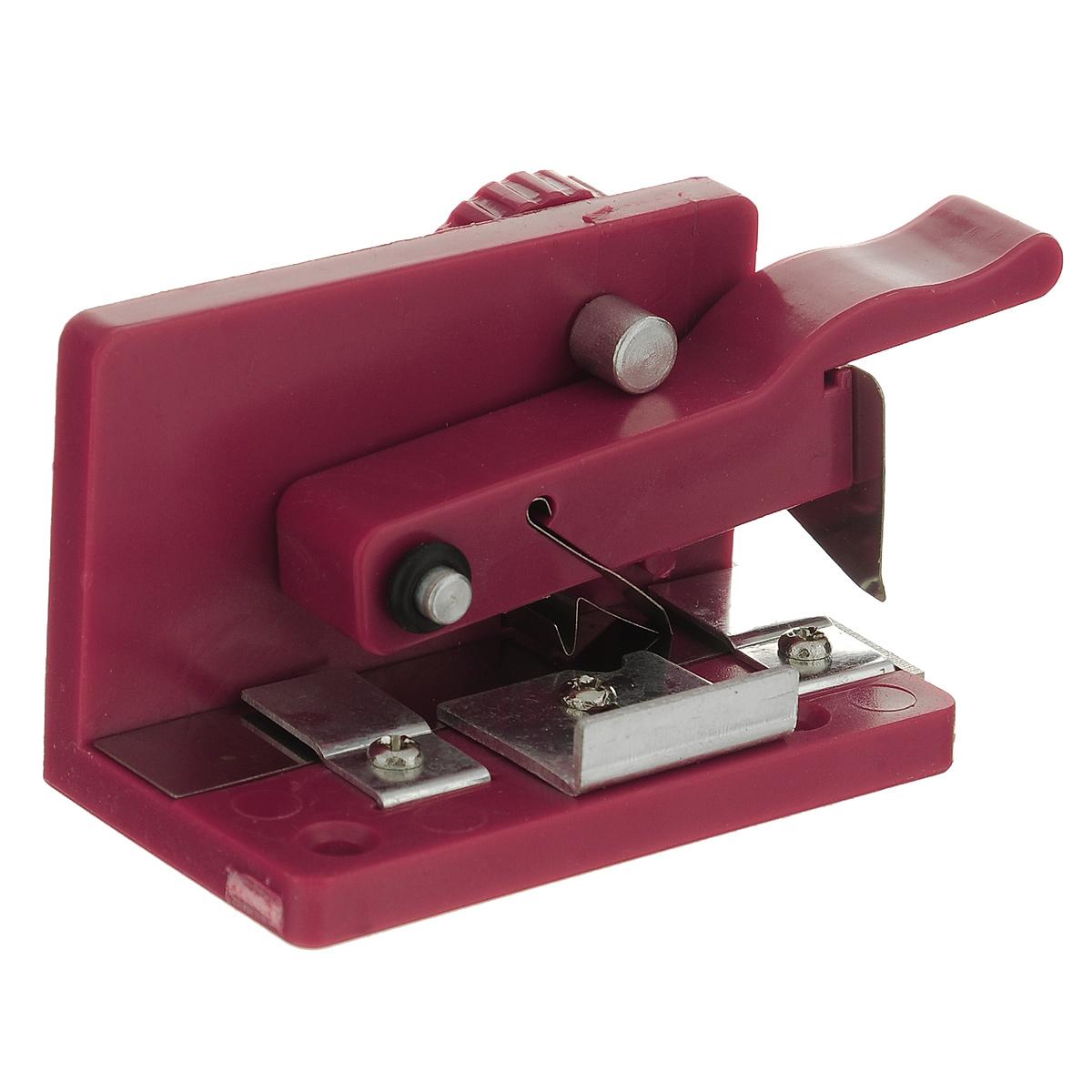 Машинка для нарезания бахромы ScrapBerrysSCB20026221При создании бахромчатых цветов вам предстоит сделать много надрезов на узких полосках. Это можно сделать с помощью машинки для нарезания бахромы ScrapBerrys. Она полезна для изготовления квиллинг бумажных цветов, открыток и других ручных поделок в области бумажного творчества.