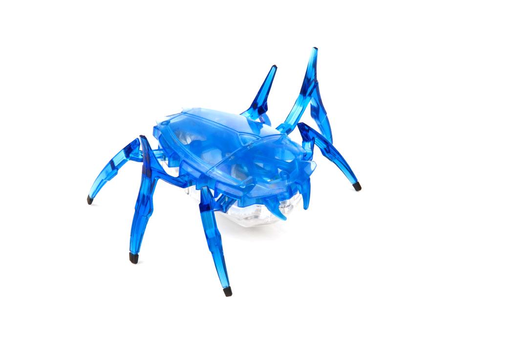 Микро-робот Hexbug Scarab, цвет: синий477-2248_3Микро-робот Hexbug Scarab - высокоскоростной механический робот-жук, внешне похожий на скарабея. Микро-робот лишен датчиков, способен быстро передвигаться на своих 6 лапах и самостоятельно переворачиваться в случае неудачного приземления на спину. Благодаря мощному моторчику, он способен толкать перед собой объекты, в несколько раз превышающие его собственные габариты. В случае столкновения с очень крупным предметом, робот-жук оттолкнется от него передними лапами и отпрыгнет, ища новый для себя путь. Микро-робот Hexbug Scarab станет отличным подарком для вашего ребенка. Робот-жук работает от 3 батареек типа AG13 (входят в комплект). Гарантия: 15 дней.