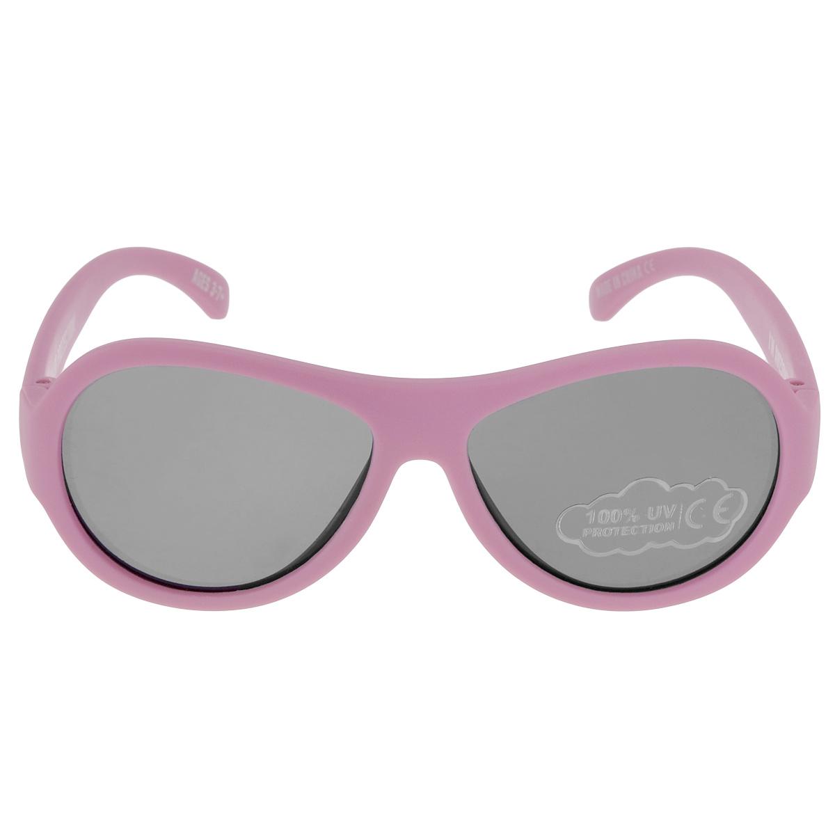 Детские солнцезащитные очки Babiators Принцесса (Princess), цвет: розовый, 3-7 летBAB-008Вы делаете все возможное, чтобы ваши дети были здоровы и в безопасности. Шлемы для езды на велосипеде, солнцезащитный крем для прогулок на солнце... Но как насчёт влияния солнца на глаза вашего ребёнка? Правда в том, что сетчатка глаза у детей развивается вместе с самим ребёнком. Это означает, что глаза малышей не могут отфильтровать УФ-излучение. Проблема понятна - детям нужна настоящая защита, чтобы глазки были в безопасности, а зрение сильным. Каждая пара солнцезащитных очков Babiators для детей обеспечивает 100% защиту от UVA и UVB. Прочные линзы высшего качества не подведут в самых сложных переделках. В отличие от обычных пластиковых очков, оправа Babiators выполнена из гибкого прорезиненного материала, что делает их ударопрочными, их можно сгибать и крутить - они не сломаются и вернутся в прежнюю форму. Не бойтесь, что ребёнок сядет на них - они всё выдержат. Будьте уверены, что очки Babiators созданы безопасными, прочными и классными, так что вы и ваш ребенок можете...