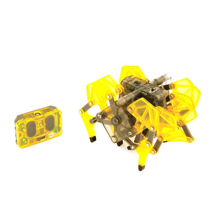 Микро-робот Hexbug Strandbeest, цвет: желтый477-2825_5Микро-робот Hexbug Strandbeest - необычная, удивительной формы конструкция, имеющая 4 пары ног. Вдохновение на создание этого микро-робота пришло от голландского физика, а теперь художника Тео Янсена. Strandbeest управляется при помощи пульта. При нажатии правой кнопки, будут двигаться 4 правые ноги, при нажатии левой - 4 левые ноги. Благодаря такому строению, микро-робот способен плавно двигаться в любую сторону, а также совершать развороты на 360°. Микро-робот работает от 5 батареек типа AG13, три для Strandbeest, две для пульта управления (батарейки входят в комплект). Гарантия: 15 дней.