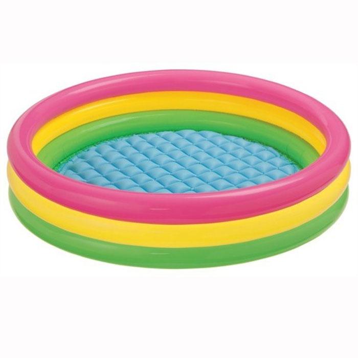 Бассейн надувной INTEX Sunset Glow Pool 147х33 см. (от 3-х лет)с57422Детский надувной бассейн Радуга, выполненный в виде круга с разноцветными кольцами, идеально подойдет для детского отдыха на загородном участке. Бассейн изготовлен из прочного винила. Дно бассейна имеет удобный надувной пол. Оригинальный дизайн бассейна сделает его не только незаменимым атрибутом летнего отдыха, но и оригинальным дополнением ландшафтного дизайна участка. В комплект с бассейном входит специальная заплатка для ремонта в случае прокола. Характеристики: Размер бассейна: 147 см х 33 см. Размер упаковки: 25 см х 23 см х 9 см. Изготовитель: Китай. Отличительными особенностями товаров фирмы Intex являются качество, эстетичность, функциональность и современный дизайн. Продукция для отдыха и комфорта Intex - это надувные бассейны, каркасные бассейны, надувные игровые центры и батуты, аксессуары для плавания, надувные лодки, надувные матрасы и кровати.