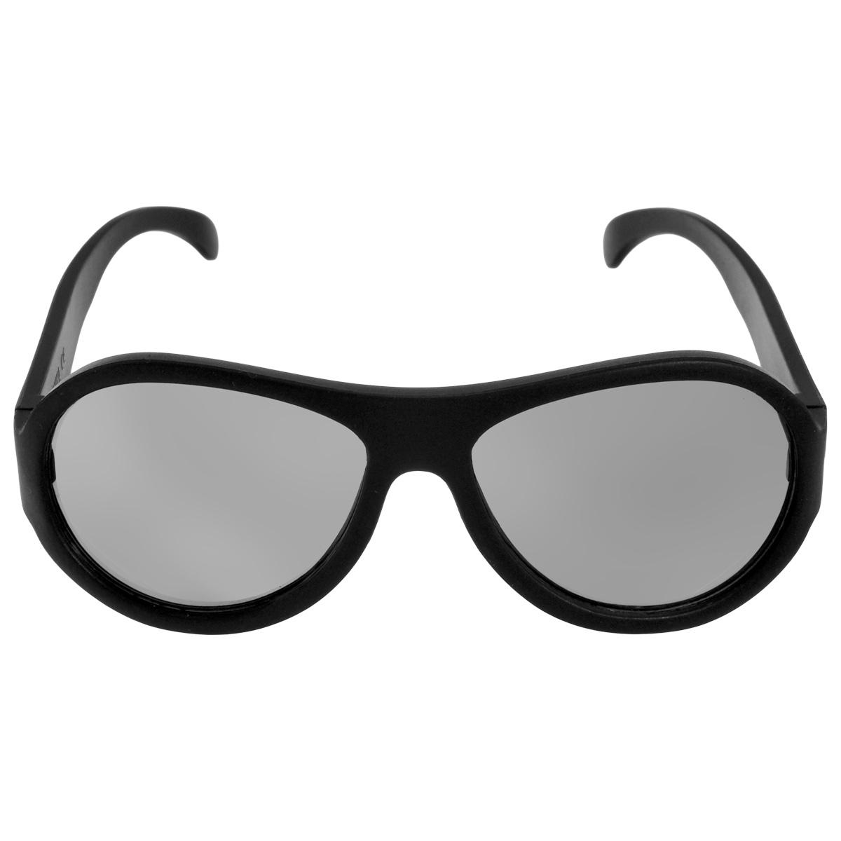 Детские солнцезащитные очки Babiators Спецназ (Black Ops), зеркальные линзы, цвет: черный, 7-14 летACE-001Каждый ребёнок - это Ас! Будь классным. Будь собой. Будь асом. Для Babiators каждый подросток - это Ас. Поэтому они создали очки Aces для всех детей в возрасте от 7-14 такими, чтобы те могли выразить свой крутой стиль всюду, куда бы ни пошли. Вы делаете все возможное, чтобы ваши дети были здоровы и в безопасности. Шлемы для езды на велосипеде, солнцезащитный крем для прогулок на солнце... Но как насчёт влияния солнца на глазах вашего ребёнка? Правда в том, что сетчатка глаза у детей развивается вместе с самим ребёнком. Это означает, что глаза малышей не могут отфильтровать УФ-излучение. Проблема понятна - детям нужна настоящая защита, чтобы глазки были в безопасности, а зрение сильным. Каждая пара солнцезащитных очков Babiators для детей обеспечивает 100% защиту от UVA и UVB. Прочные линзы высшего качества не подведут в самых сложных переделках. В отличие от обычных пластиковых очков, оправа Babiators выполнена из гибкого прорезиненного материала, что делает их...