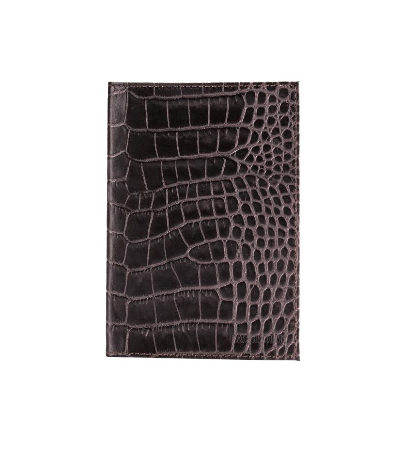 Обложка для паспорта Fabula Croco Nile, цвет: млечный лес. O.1/1.KRO.1/1.KR. млечный лесСтильная обложка для паспорта Fabula Croco Nile выполнена из натуральной кожи. Модель оформлена фактурным тиснением под кожу крокодила и дополнена горизонтальным тиснением в виде надписи Passport. На внутреннем развороте два кармана из прозрачного пластика. Изделие упаковано в фирменную коробку. Модная обложка для паспорта не только поможет сохранить внешний вид вашего документа и защитить его от повреждений, но и станет стильным аксессуаром, который отлично впишется в ваш образ.