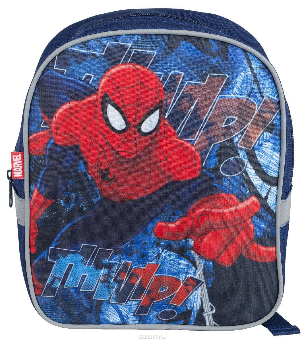 Рюкзак детский Kinderline Spider-man Classic, цвет: синий, красный. SMCB-UT3-511SMCB-UT3-511Рюкзак детский Kinderline Spider-man Classic выполнен из износоустойчивых материалов с водонепроницаемой основой, декорирован ярким рисунком. Рюкзак имеет одно вместительное основное отделение, закрывающееся на молнию. Ранец оснащен светоотражателями, удобной ручкой для переноски и двумя широкими лямками, регулируемой длины. С модным рюкзаком Spider-man Classic ваш малыш будет звездой! Стильный и продуманный до мелочей рюкзак позаботится о том, чтобы прогулки доставляли ребенку только удовольствие.