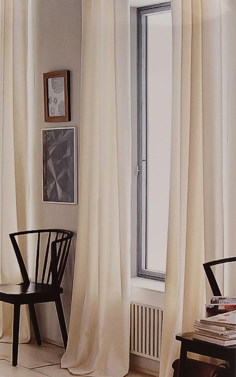 Штора готовая для гостиной Garden, на ленте, цвет: молочный, размер 300*260 см. C W191 V71002C W191 V71002Изящная тюлевая штора Garden выполнена из вуали (100% полиэстера). Полупрозрачная ткань, приятный цвет привлекут к себе внимание и органично впишутся в интерьер помещения. Такая штора идеально подходит для солнечных комнат. Мягко рассеивая прямые лучи, она хорошо пропускает дневной свет и защищает от посторонних глаз. Отличное решение для многослойного оформления окон. Штора крепится на карниз при помощи ленты, которая поможет красиво и равномерно задрапировать верх.