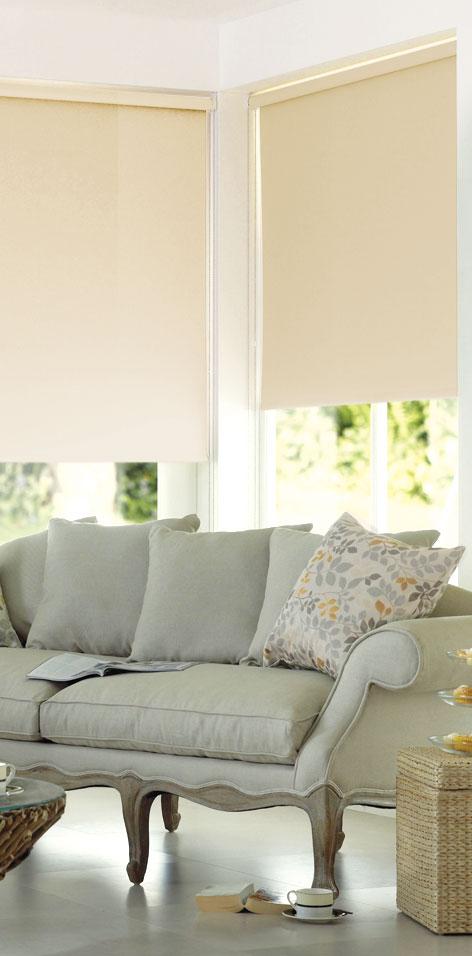 Мини ролло Garden 140х170 см, с креплением на стену-потолок, цвет: бежевый1985140/430Мини ролло Garden изготовлены из высокопрочной плотной однотонной ткани и имеют небольшой мерцающий эффект. Ткань не выцветает, обладает отличной цветоустойчивостью и сохраняет свой размер даже при намокании. Рулонные шторы (ролло) - это полотно ткани, которое наматывается на вал. С помощью удобного механизма управления рулонные шторы могут опускаться до необходимого уровня и фиксироваться в этом положении. Крепление универсальное, шторы крепятся либо скобами на раму, либо на крепление с двусторонним скотчем. Мини ролло Garden - это отличное решение для тех, кто не хочет утяжелять помещение тканевыми шторами. Они не только открывают пространство, но и легко регулируют подачу света в помещение. Происходит это с помощью шнура-цепочки. В комплект входит: - крепления, - саморезы, - дюбеля, - шнур-цепочка, - ролло.