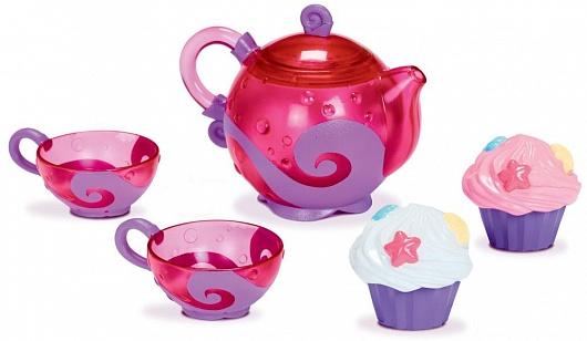 Munchkin игрушка для ванны Чайный сервиз 24+11688Необычный чайный сервиз Munchkin и пара симпатичных кексиков сделают купание малыша гораздо веселее: аккуратные чашечки- сито процеживают воду, а кексы забавно брызгаются
