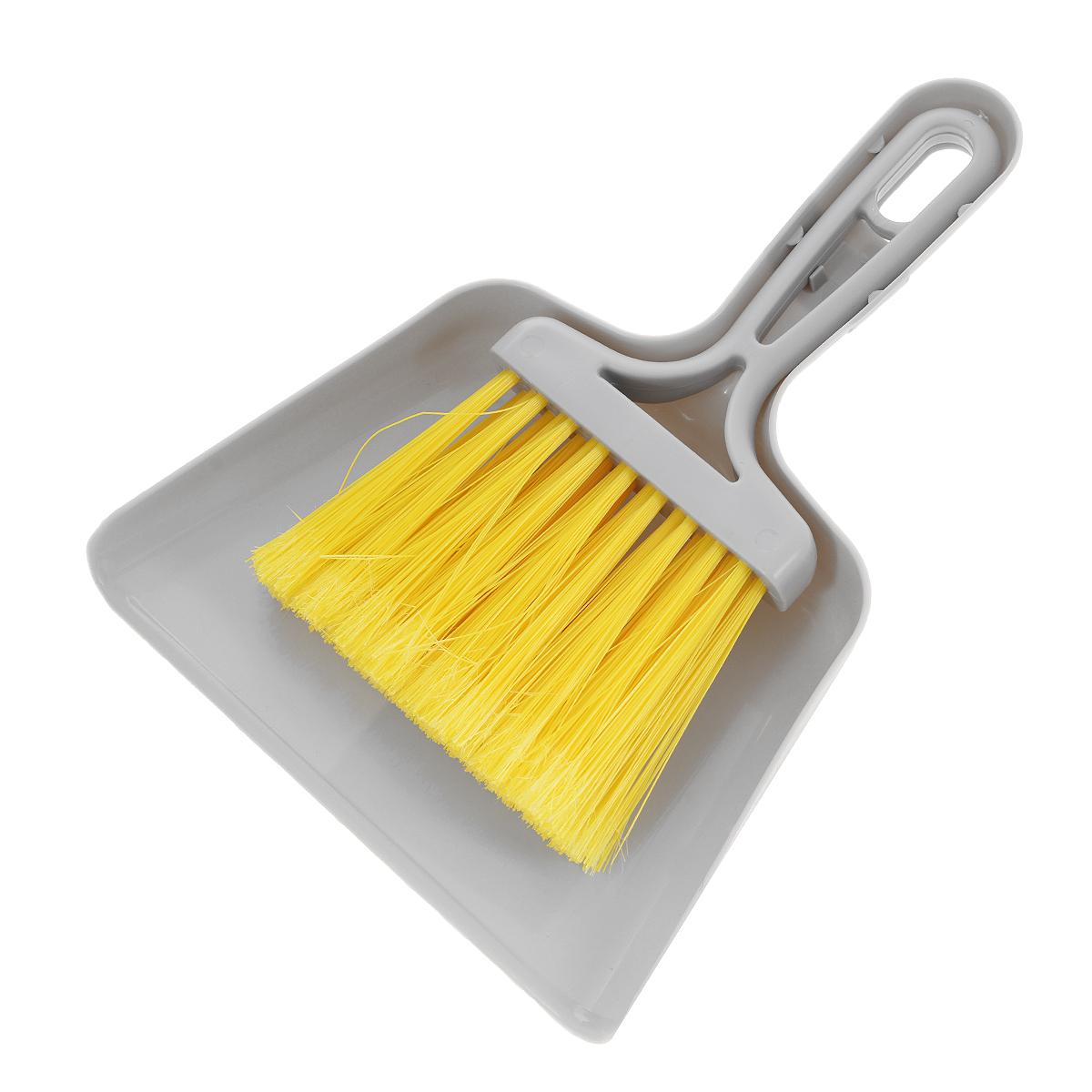 Совок Mini с щеткой, цвет: серый11701-A серыйНабор Fratelli Mini включает щетку с синтетическим ворсом и совок, изготовленный из высококачественного пластика. Набор идеально подходит для уборки мелкого мусора с кухонных поверхностей. Для дополнительного удобства совок и щетка снабжены специальной петелькой, с помощью которой, вложив щетку в совок, их можно разместить в любом месте. Размер совка с ручкой: 24 см х 18 см х 3,5 см. Размер щетки: 20 см х 11,5 см х 2,5 см.