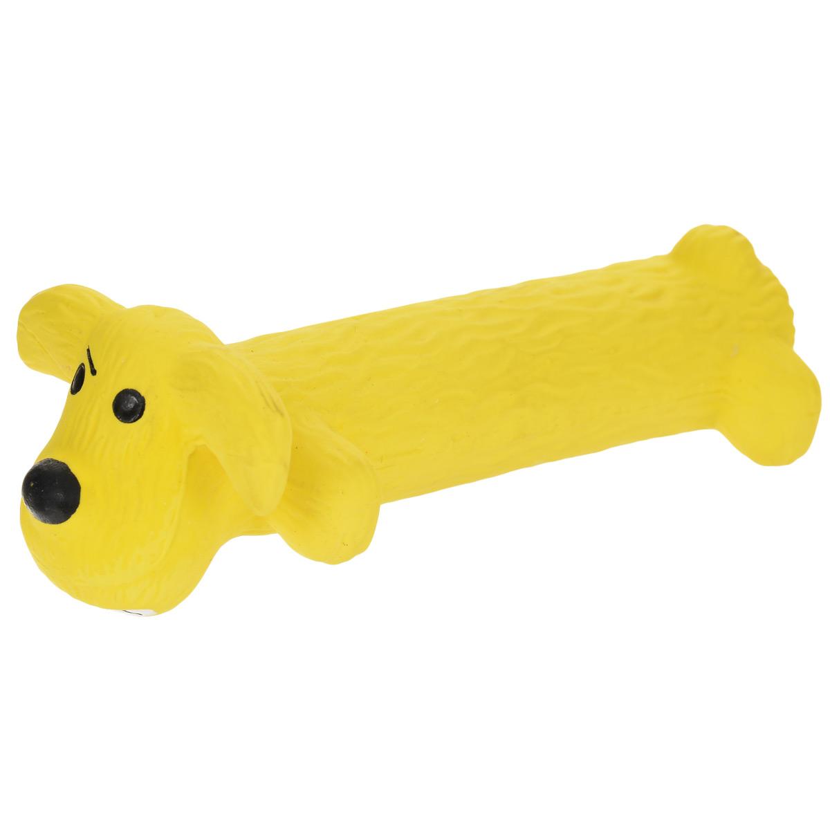 Игрушка Multipet Собака, с пищалкой, цвет: желтый, длина 15 см12-61035Прочная игрушка Multipet Собака с пищалкой изготовлена из качественного структурированного латекса - прочного и безопасного материала с использованием нетоксичных красителей. Игрушка уникальна тем, что имеет мягкий наполнитель. Устойчива к разгрызанию. Пищит при нажатии. Имеет приятный и интересный для собаки рельеф. Великолепно подходит для игры и массажа десен вашей собаки. Игрушка не позволит скучать вашему питомцу ни дома, ни на улице.