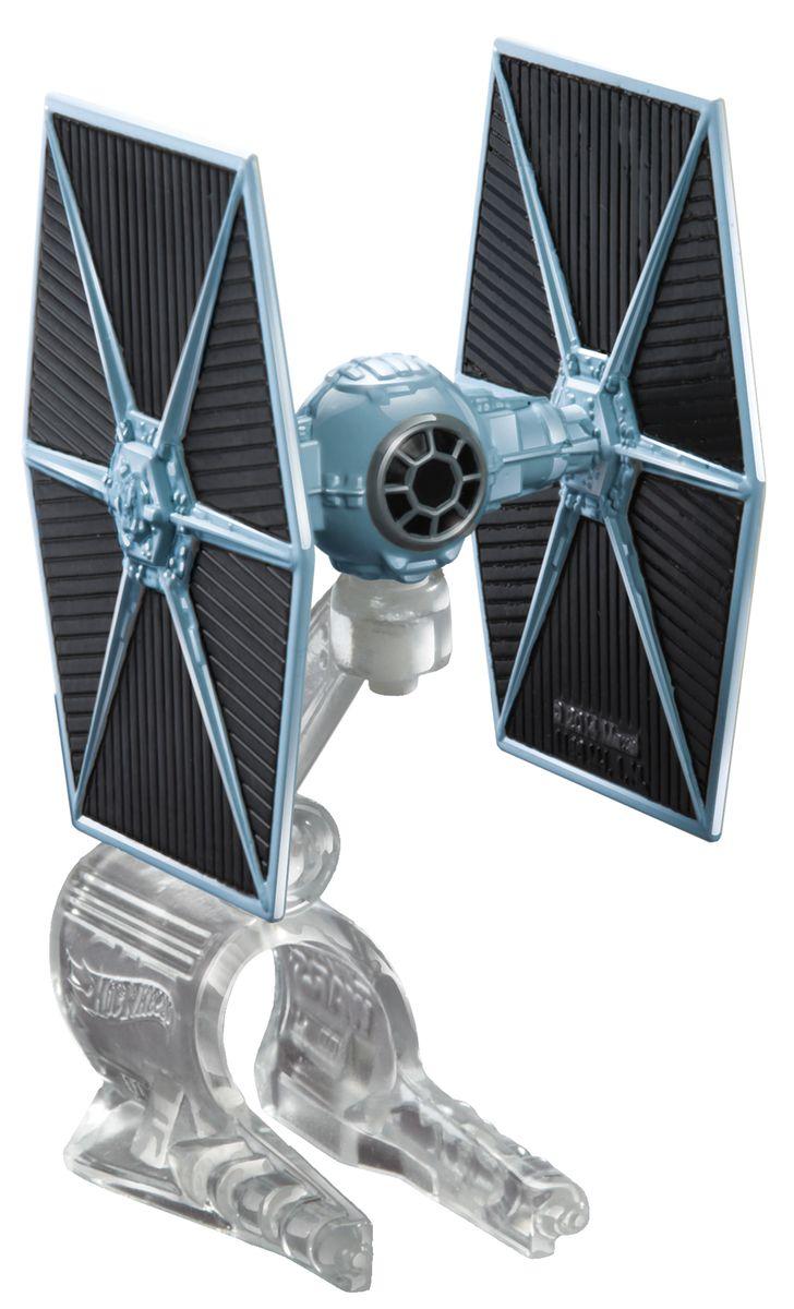 Hot Wheels Star Wars Звездный корабль The Fighter цвет серыйCGW52_CGW53_DRX09Звездный корабль Hot Wheels The Fighter непременно приведет в восторг поклонника фантастической саги Звездные воины. В комплекте звездный корабль и подставка. Надевайте на руку устройство Flight Navigator и запускайте корабль в полет по комнате, прямо как в гиперпространстве, или устраивайте яростные космические сражения. Flight Navigator можно также использовать как подставку для игрушек. Звездолеты совместимы с игровыми наборами Hot Wheels Star Wars (продаются отдельно). Порадуйте своего ребенка такой необычной игрушкой!