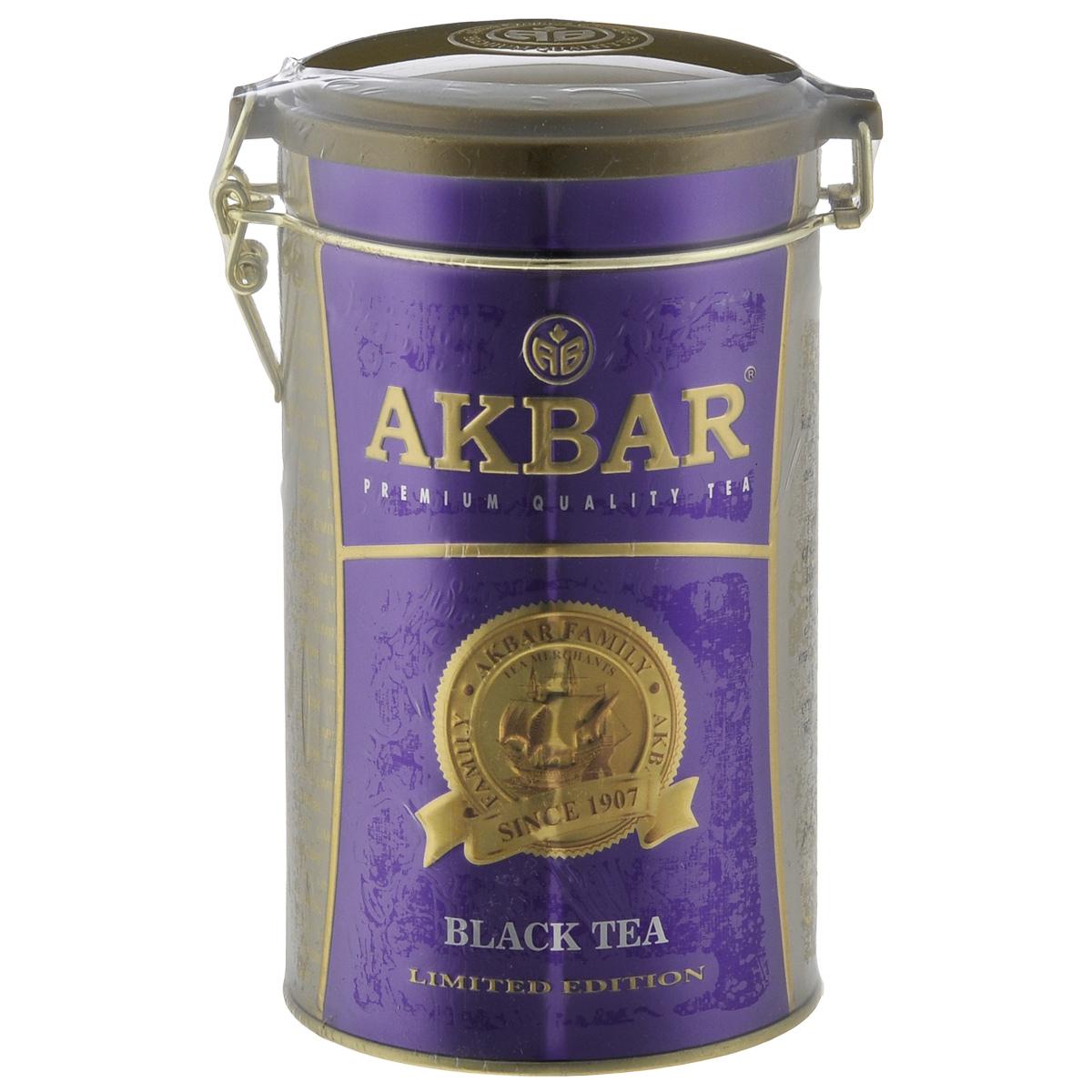 Akbar 100 Years черный листовой чай, 150 г1042027Крупнолистовой, обладающий неповторимым вкусом, душистый чай Akbar 100 Years Purple выращивается без использования химических удобрений всего лишь на нескольких элитных равнинных чайных плантациях, расположенных в цейлонских провинциях Ruhuna и Sabaragamuwa, на высоте не более 1500 футов над уровнем моря.