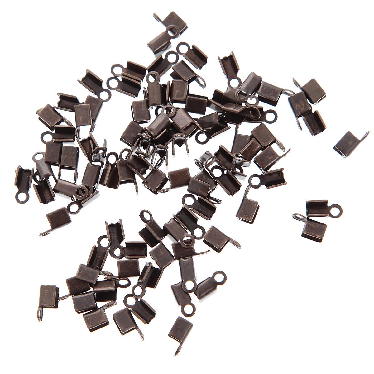 Концевик для бижутерии Vintaj, длина 9 мм, 72 штCE20Набор Vintaj состоит из 72 концевиков, выполненных из высококачественного металла. С помощью концевика можно незаметно убрать окончания шнура, лески и другой основы. Прочная конструкция такой фурнитуры для бижутерии позволят крепко зафиксировать основу. Изготовление украшений - занимательное хобби и реализация творческих способностей рукодельницы, это возможность создания неповторимого индивидуального подарка. Размер концевика: 9 мм х 5 мм х 5 мм.