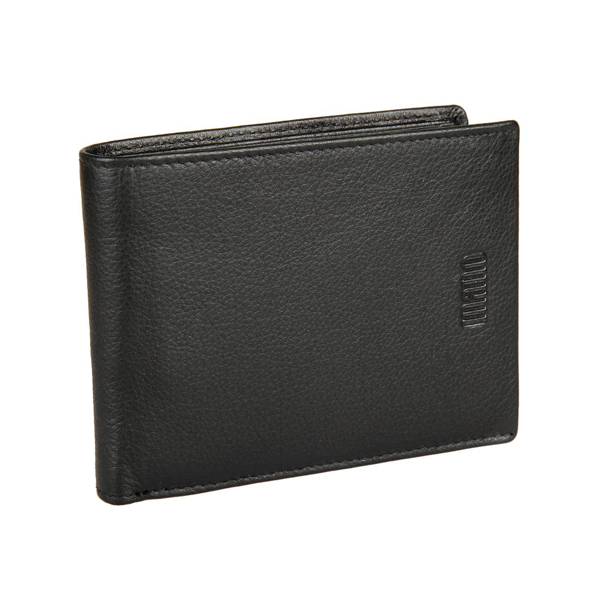 Портмоне мужское Mano, цвет: черный. 1980119801Стильное мужское портмоне Mano выполнено из натуральной кожи с фактурным тиснением и дополнено тиснением с названием производителя. Изделие раскладывается пополам. Портмоне содержит два отделения для купюр, восемь кармашков для визиток и пластиковых карт, карман для мелочи на кнопке, сетчатый карман, два боковых кармана для документов и два потайных кармана. Портмоне упаковано в фирменную картонную коробку. Такое портмоне станет отличным подарком для человека, ценящего качественные и стильные вещи.