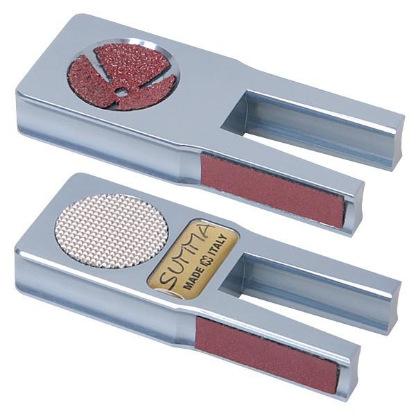 Инструмент для обработки наклейки Norditalia Summa Tool3998Многофункциональный инструмент Norditalia Summa Tool предназначен для обработки наклейки. Корпус изделия выполнен из цельного алюминия. Инструмент оснащен сменными абразивными поверхностями.