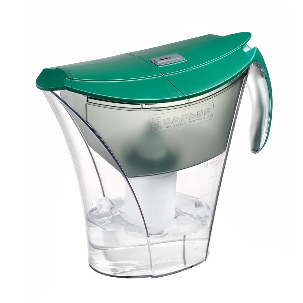 Фильтр-кувшин для воды Барьер Смарт, цвет: зеленыйФильтр-кувшин Барьер Смарт цвет: зеленыйФильтр Барьер Smart, выполненный из пластика, предназначен для доочистки питьевой водопроводной воды. В комплект к фильтру входит сменная кассета Барьер-4 Стандарт. Особенности: - удобная двойная крышка, упрощающая наполнение кувшина, - уникальная конструкция кувшина позволяет наливать чистую воду, не дожидаясь, пока вся вода отфильтруется, - удобная ручка, - возможность мыть в посудомоечной машине, - календарный индикатор, расположенный на крышке, поможет вам не забыть поменять картридж. Качество водопроводной воды напрямую зависит от источника воды. В разных регионах вода загрязнена по-разному, и поэтому Барьер предлагает решения для различных видов загрязнений - это четыре вида сменных кассет к фильтрам-кувшинам, которые вместе с основной очисткой от хлора, хлорорганических соединений и тяжелых металлов дополнительно удаляют из воды соединения неорганического железа, снижают жесткость или фторируют воду. Благодаря уникальной...