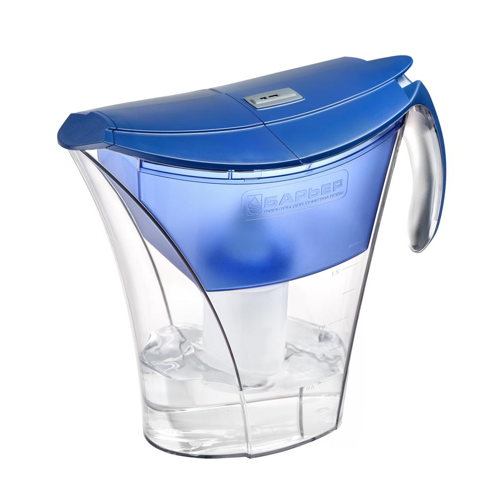 Фильтр-кувшин для воды Барьер Смарт, цвет: синийФильтр-кувшин Барьер Смарт цвет: синийФильтр Барьер Smart, выполненный из пластика, предназначен для доочистки питьевой водопроводной воды. В комплект к фильтру входит сменная кассета Барьер-4 Стандарт. Особенности: - удобная двойная крышка, упрощающая наполнение кувшина, - уникальная конструкция кувшина позволяет наливать чистую воду, не дожидаясь, пока вся вода отфильтруется, - удобная ручка, - возможность мыть в посудомоечной машине, - календарный индикатор, расположенный на крышке, поможет вам не забыть поменять картридж. Качество водопроводной воды напрямую зависит от источника воды. В разных регионах вода загрязнена по-разному, и поэтому Барьер предлагает решения для различных видов загрязнений - это четыре вида сменных кассет к фильтрам-кувшинам, которые вместе с основной очисткой от хлора, хлорорганических соединений и тяжелых металлов дополнительно удаляют из воды соединения неорганического железа, снижают жесткость или фторируют воду. Благодаря уникальной...