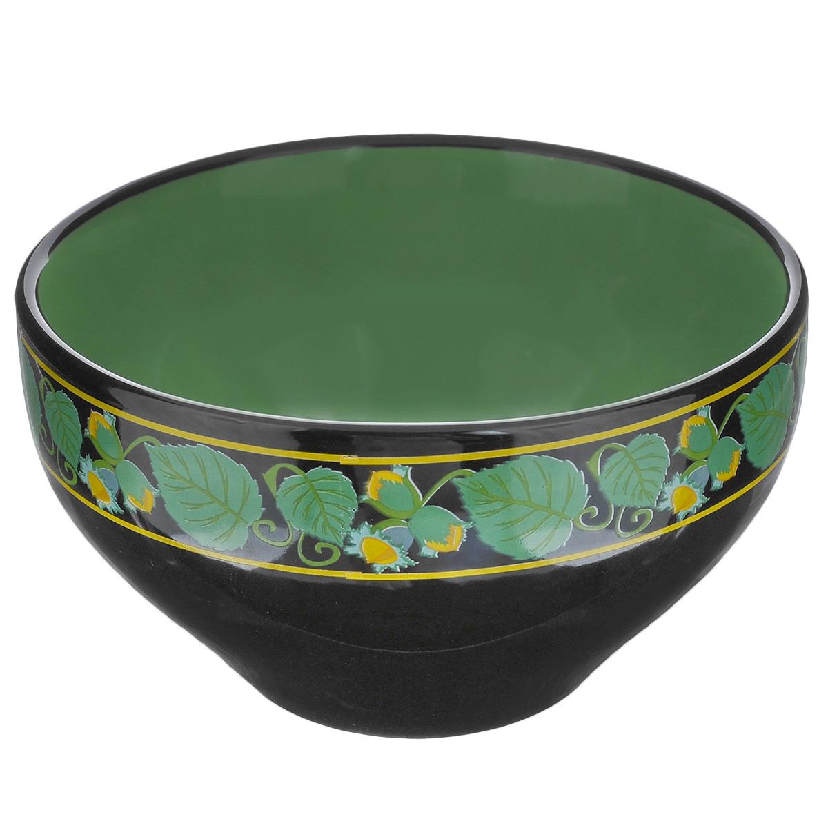 Салатник Лесной орех, круглый, цвет: черный, зеленый, 580 мл. HW S05-ORHW S05-ORКруглый салатник Лесной орех изготовлен из керамики и идеально подходит для сервировки стола. Салатник не только украсит ваш кухонный стол и подчеркнет прекрасный вкус хозяйки, но и станет отличным подарком. Диаметр салатника: 13,5 см. Высота салатника: 8 см. Объем салатника: 580 мл.
