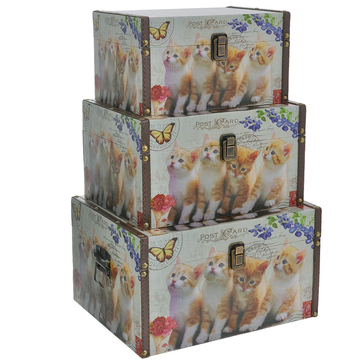 Набор шкатулок для рукоделия Котята, цвет: белый, рыжий, 3 штTL3976R2Набор Котята состоит из трех шкатулок разного размера, изготовленных из МДФ, картона и холщовой ткани и оснащенных крышками. Изделия декорированы изображением забавных рыжих котят. Крышки закрываются на металлический замок-защелку. Внутри изделия обтянуты тканью коричневого цвета. Самая большая шкатулка имеет по бокам две металлические ручки для удобной переноски. Изящные шкатулки с ярким дизайном, складывающиеся одна в другую, предназначены для хранения мелочей, принадлежностей для шитья и творчества и других аксессуаров. Они красиво оформят интерьер комнаты и помогут хранить ваши вещи в порядке. Размер большой шкатулки: 30 см х 24 см х 17 см. Размер средней шкатулки: 27 см х 20 см х 15 см. Размер маленькой шкатулки: 24 см х 16 см х 13 см.