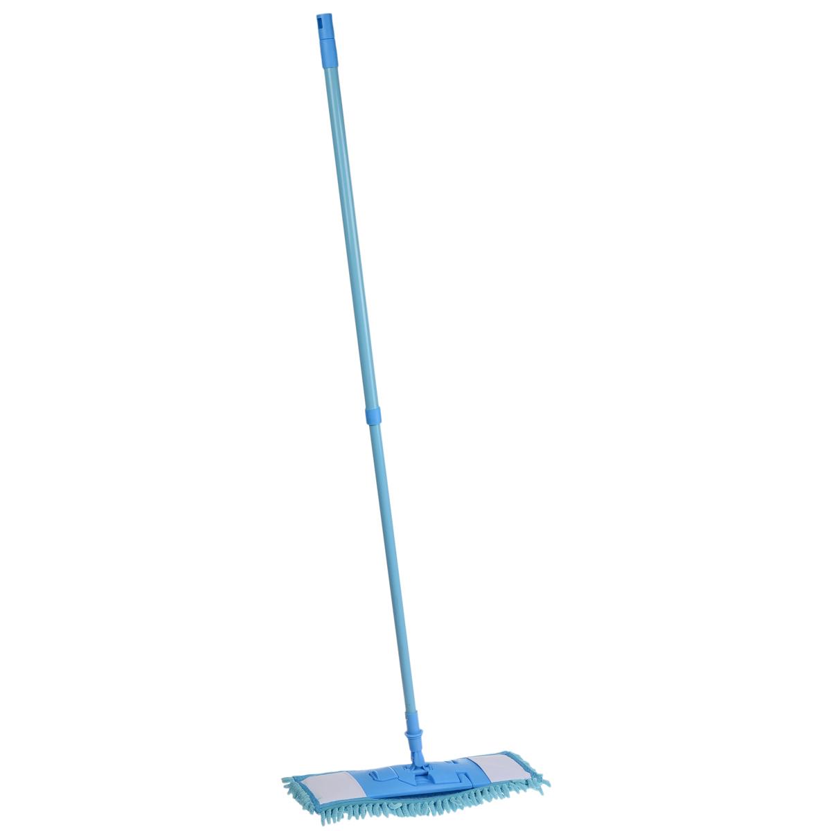 Швабра Home Queen Еврокласс с телескопической ручкой, цвет: голубой, 73-126 см56649_голубойШвабра Home Queen Еврокласс, выполненная из высококачественной стали, полипропилена, полиэстера и полиамида, идеально подходит для мытья всех типов напольных поверхностей: паркет, ламинат, линолеум, кафельная плитка. Материал насадки - шенилл (разновидность микрофибры) обладает высокой износостойкостью, не царапает поверхности и отлично впитывает влагу. Кроме того, сверхтонкое волокно микрофибры состоит из двух полимеров, соединенных в одну нить. Один из полимеров обладает свойством притягивать жирные и маслянистые вещества, таким образом, масло и жир прилипают непосредственно к волокнам насадки, что позволяет во многих случаях не использовать при уборке чистящие средства. Благодаря своей структуре, шенилловая насадка отлично моет углы. Телескопический механизм ручки позволяет выбрать необходимую вам длину, а также сэкономить место при хранении. Насадку можно стирать вручную или в стиральной машине с мягким моющим средством без...