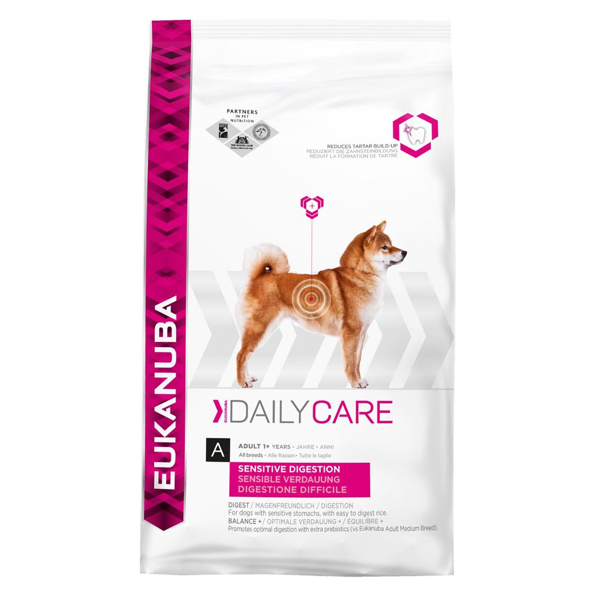 Корм сухой Eukanuba для взрослых собак с чувствительным пищеварением, 12,5 кг81095042Полноценный сбалансированный корм Eukanuba для взрослых собак всех пород возрастом от 1 года с чувствительным пищеварением, обогащенный естественными пребиотическими волокнами для здорового пищеварения. Сухая пульпа сахарной свеклы и пребиотики ФОС для здоровья микрофлоры кишечника. Легкоперевариваемый рис для собак с чувствительным пищеварением. Не содержит искусственных красителей и ароматизаторов. Содержит разрешенные ЕС антиоксиданты (токоферолы). Состав: сублимированное мясо курицы и индейки 22%, рис 21%, кукуруза, сорго, животный жир, сухая пульпа сахарной свеклы 2,8%, рыбная мука, сухое цельное яйцо, гидролизат белков животного происхождения, фруктоолигосахариды 0,77%, гидрофосфат кальция, хлорид калия, хлорид натрия, гексаметафосфат натрия, рыбий жир, карбонат кальция, льняное семя. Добавки: витамин A 46167 МЕ/кг, витамин D3 1532 МЕ/кг, витамин E 256 мг/кг, бета-каротин 5,0 мг/кг. Микроэлементы: базовый карбонат кобальта, моногидрат...