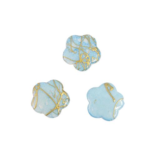 Бусины Астра Цветные камешки, цвет: голубой (6-33), диаметр 17 мм, 50 шт7710781_6-33Набор бусин Астра Цветные камешки, изготовленный из пластика, позволит вам своими руками создать оригинальные ожерелья, бусы или браслеты. Бусины выполнены в виде камешков-цветов и имеют цветные разводы с оригинальным золотистым узором. Изготовление украшений - занимательное хобби и реализация творческих способностей рукодельницы, это возможность создания неповторимого индивидуального подарка. Диаметр бусины: 17 мм.