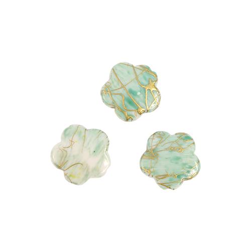 Бусины Астра Цветные камешки, цвет: зеленый (6-34), диаметр 17 мм, 50 шт7710781_6-34Набор бусин Астра Цветные камешки, изготовленный из пластика, позволит вам своими руками создать оригинальные ожерелья, бусы или браслеты. Бусины выполнены в виде камешков-цветов и имеют цветные разводы с оригинальным золотистым узором. Изготовление украшений - занимательное хобби и реализация творческих способностей рукодельницы, это возможность создания неповторимого индивидуального подарка. Диаметр бусины: 17 мм.
