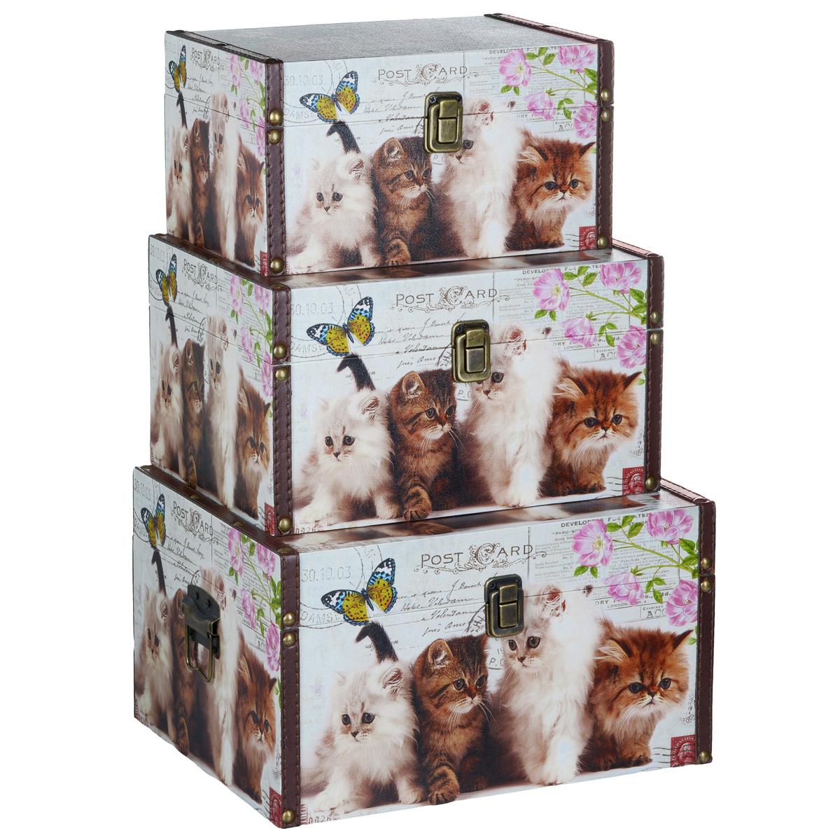 Набор шкатулок для рукоделия Забавные котята, цвет: коричневый, белый, серый, 3 штTL3976R3Набор Забавные котята состоит из трех шкатулок разного размера, изготовленных из МДФ, картона и холщовой ткани и оснащенных крышками. Изделия оформлены изображением котят. Крышки закрываются на металлический замок- защелку. Внутри изделия обтянуты тканью коричневого цвета. Самая большая шкатулка имеет по бокам две металлические ручки для удобной переноски. Изящные шкатулки с ярким дизайном, складывающиеся одна в другую, предназначены для хранения мелочей, принадлежностей для шитья и творчества и других аксессуаров. Они красиво оформят интерьер комнаты и помогут хранить ваши вещи в порядке. Размер большой шкатулки: 30 см х 24 см х 17 см. Размер средней шкатулки: 27 см х 20 см х 15 см. Размер маленькой шкатулки: 24 см х 16 см х 13 см.