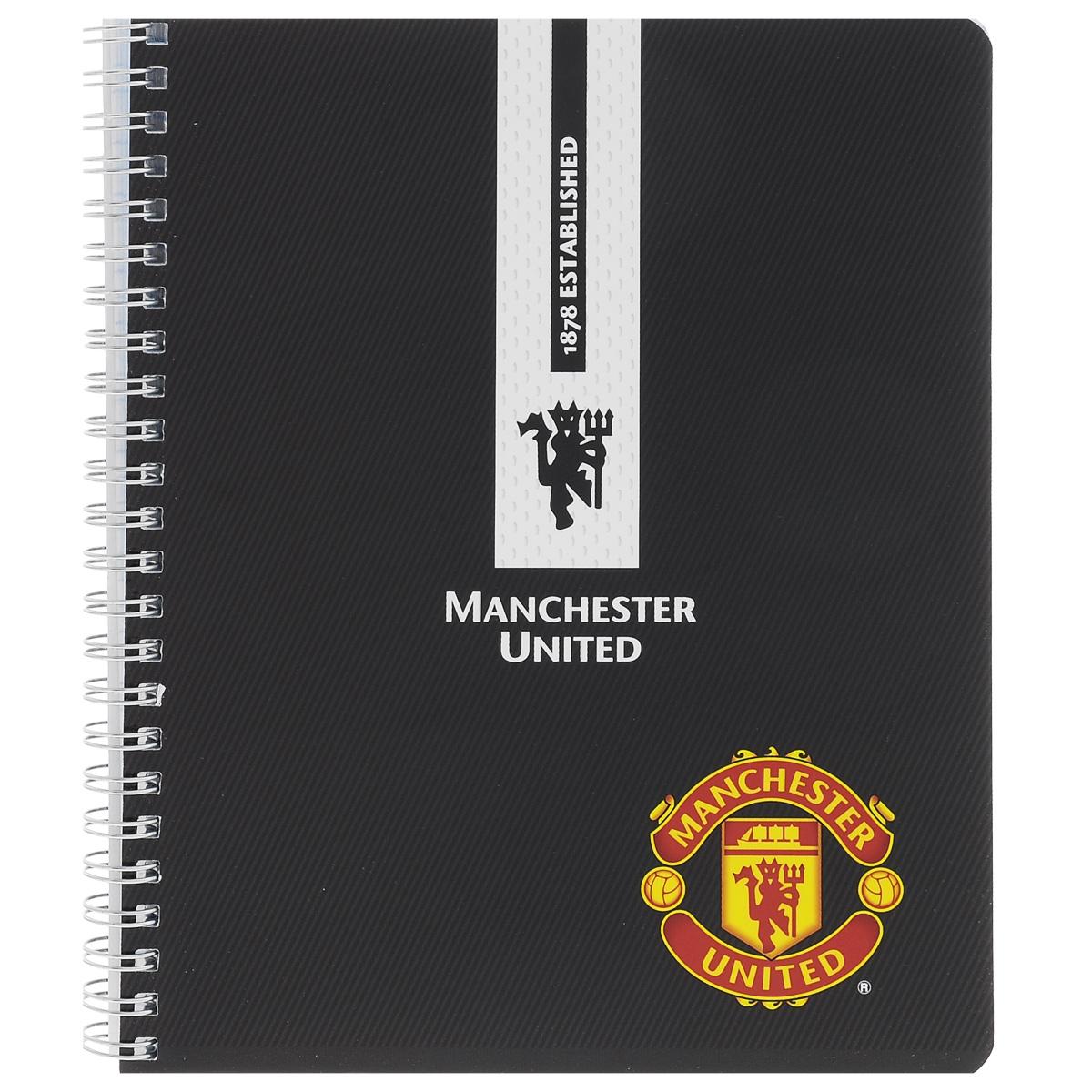 Тетрадь в клетку Manchester United, цвет: черный, 96 листов. MT6/3MT6/3_черныйТетрадь Manchester United подойдет для любых работ и студенту, и школьнику. Гладкая обложка тетради с логотипом Manchester United выполнена из мелованного картона с закругленными углами. Внутренний блок тетради соединен металлической пружиной и состоит из 96 листов высококачественной бумаги повышенной белизны.