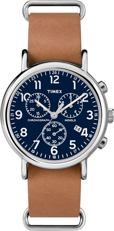 Часы наручные мужские Timex, цвет: коричневый, стальной. TW2P62300TW2P62300Стильные мужские наручные часы Timex со стальным корпусом идеально подойдут для человека, ценящего качественные и практичные вещи. Циферблат изделия оформлен арабскими цифрами, отметками, часовой, минутной и секундной стрелками, и дополнен логотипом Timex. Часы оснащены кварцевым механизмом, устойчивым к царапинам минеральным стеклом и подсветкой циферблата Indiglo и подсветкой стрелок. Модель также оснащена индикатором даты, секундомером, хронографом и дополнительной шкалой от 13 до 24 часов. Модель обладает степенью влагозащиты 3 atm. Изделие дополнено ремешком из натуральной кожи, позволяющим максимально комфортно и быстро снимать и одевать часы при помощи пряжки. Часы поставляются на специальной подушечке в стильной коробке с логотипом Timex. Часы Timex подчеркнут мужской характер и отменное чувство стиля их обладателя.