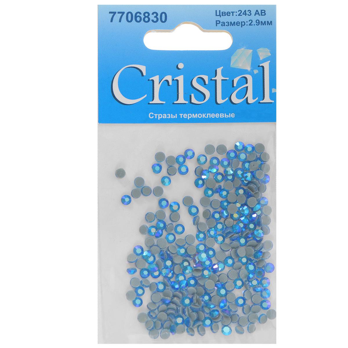 Стразы термоклеевые Cristal, цвет: светло-синий (243АВ), диаметр 2,9 мм, 288 шт7706830_243ABНабор термоклеевых страз Cristal, изготовленный из высококачественного акрила, позволит вам украсить одежду, аксессуары или текстиль. Яркие стразы имеют плоское дно и круглую поверхность с гранями. Дно термоклеевых страз уже обработано особым клеем, который под воздействием высоких температур начинает плавиться, приклеиваясь, таким образом, к требуемой поверхности. Чаще всего их используют в текстильной промышленности: стразы прикладывают к ткани и проглаживают утюгом с обратной стороны. Также можно использовать специальный паяльник. Украшение стразами поможет сделать любую вещь оригинальной и неповторимой. Диаметр страз: 2,9 мм.