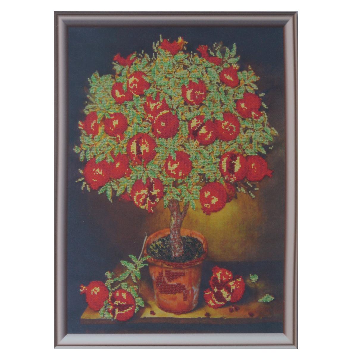 Набор для вышивания бисером Astrea Гранатовое дерево, 32 см х 40 см488382Набор для вышивания бисером Astrea Гранатовое дерево поможет вам создать свой собственный шедевр - красивую картину, частично вышитую бисером по цветному фону. Вышивание отвлечет вас от повседневных забот и превратится в увлекательное занятие! Работа, сделанная своими руками, создаст особый уют и атмосферу в доме и долгие годы будет радовать вас и ваших близких, а подарок, выполненный собственноручно, станет самым ценным для друзей и знакомых. В набор входят: - ткань с нанесенным цветным рисунком, - бисер Preciosa Ornela (Чехия) - 10 цветов, - игла для бисера, - инструкция на русском языке.