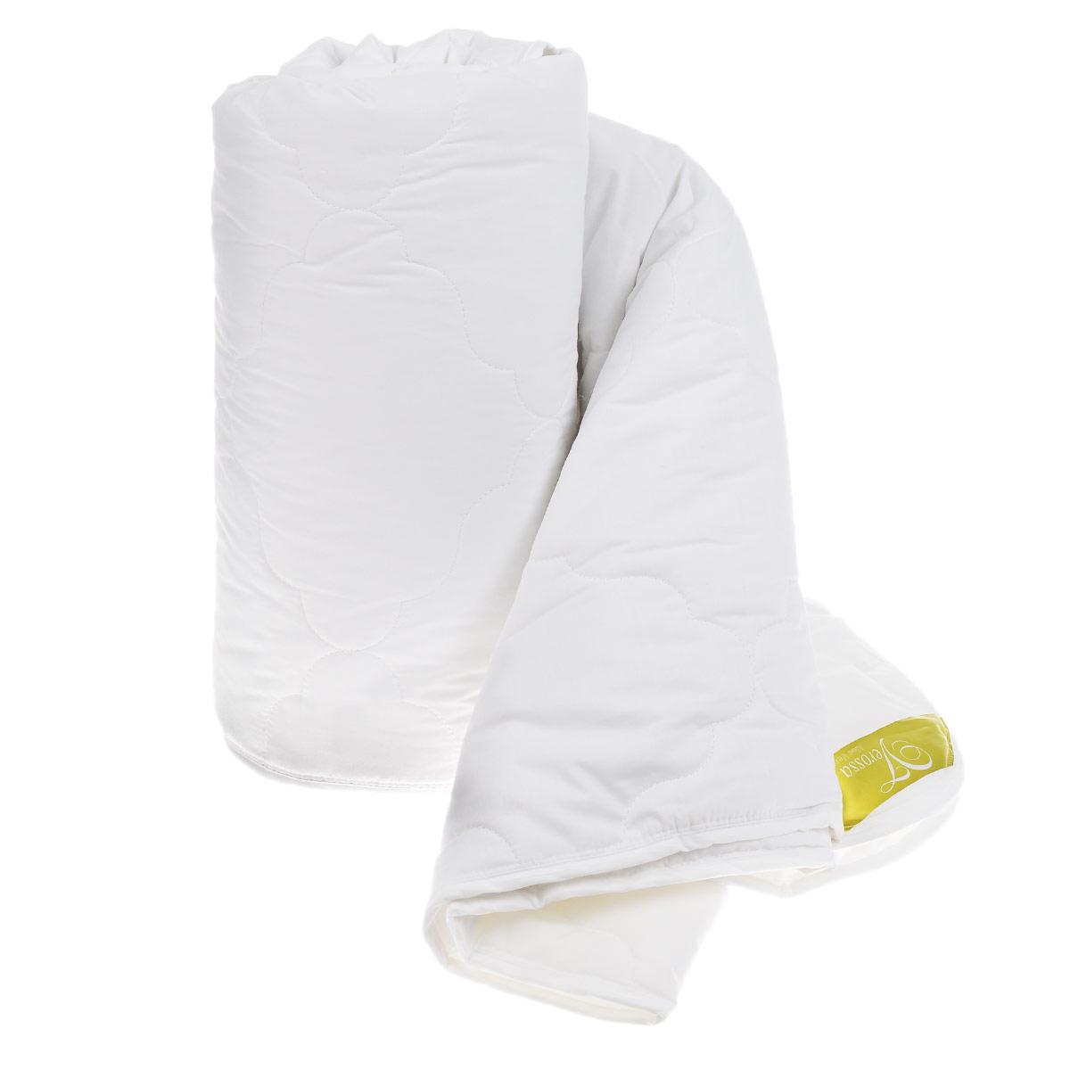 Одеяло легкое Verossa AloeVera, наполнитель: полиэстер, цвет: белый, 200 см х 220 см158084Легкое одеяло Verossa AloeVera подарит незабываемое чувство комфорта и уюта во время сна. При уменьшении статического электричества качество сна увеличивается, вы почувствуете себя более отдохнувшим и снявшим стресс. Идеально подойдет людям, которые много времени проводят на работе, подвержены стрессу и заботятся о своем здоровье. Изделие также отлично отводит и испаряет влагу. Одеяло упаковано в пластиковую сумку-чехол, закрывающуюся на застежку-молнию. Рекомендации по уходу: - Можно стирать в стиральной машине при температуре не выше 30°С. - Не отбеливать. - Не гладить. - Нельзя отжимать и сушить в стиральной машине. - Химчистка с мягким растворителем. - Сушить на горизонтальной поверхности. Материал чехла: 65% хлопок, 35% полиэстер. Наполнитель: 100% полиэстер. Размер: 200 см х 220 см. Плотность наполнителя: 150 г/м2.