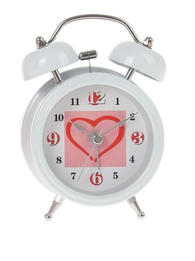 Часы-будильник Sima-land Сердце, цвет: белый. 720801720801Как же сложно иногда вставать вовремя! Всегда так хочется поспать еще хотя бы 5 минут и бывает, что мы просыпаем. Теперь этого не случится! Яркий, оригинальный будильник Sima-land поможет вам всегда вставать в нужное время и успевать везде и всюду. Время показывает точно и будит в установленный час. Будильник украсит вашу комнату и приведет в восхищение друзей. На задней панели будильника расположены переключатель включения/выключения механизма и два колесика для настройки текущего времени и времени звонка будильника. Также будильник оснащен кнопкой, при нажатии и удержании которой, подсвечивается циферблат. Будильник работает от 1 батарейки типа AA напряжением 1,5V (не входит в комплект).