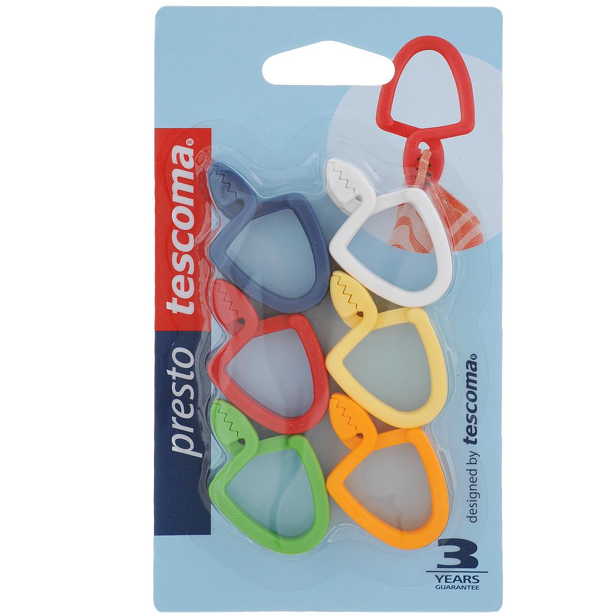 Петля универсальная Tescoma Presto, 12 шт420830Универсальная петля Tescomo Presto подходит для подвешивания полотенец, кухонных рукавиц и т.д. Изготовлена из прочной пластмассы. В комплект входит 12 петель разных цветов (синий, белый, красный, желтый, оранжевый, зеленый.