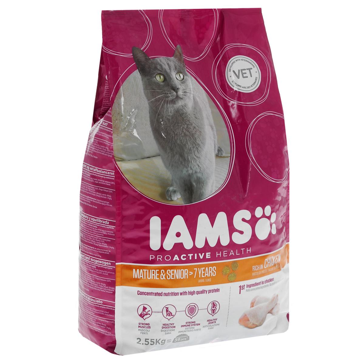 Корм Iams Mature & Senior для кошек старше 7 лет, с курицей, 2,55 кг81380065_другая кошкаСухой корм Iams Mature & Senior содержит оптимальный баланс белков, жиров и углеводов, помогает кошке поддерживать вес на необходимом уровне и способствует укреплению мышц. Гранулы корма более хрупкие, поэтому у кошки не возникает проблем при их пережевывании. Если это необходимо, гранулы можно размочить в теплой воде. Они не превращаются в кашу, а просто размягчаются. Витамины, входящие в состав корма, являются природными антиоксидантами. Они защищают организм от свободных радикалов, замедляют процессы старения и укрепляют иммунную систему кошки. Оптимальное соотношение магния, калия и фосфора поддерживает ph мочи кошки на необходимом уровне, таким образом профилактируя МКБ. Глюкозамин, входящий в состав корма, поддерживает здоровье суставов и связок, что необходимо пожилой кошке. Состав: курица (> 26%), кукуруза, животный жир, пшеница, сушеные целое яйцо, сушеная свекла пульпа, хлорид калия, сухие пивные дрожжи, рыбий жир, карбонат кальция,...