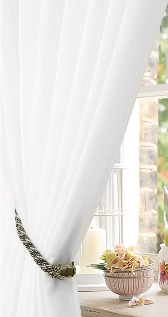 Штора готовая для гостиной Garden, на ленте, цвет: белый, размер 175*260 см. с w191 v7000с w191 v7000Изящная тюлевая штора Garden выполнена из вуали (100% полиэстера). Полупрозрачная ткань, приятный цвет привлекут к себе внимание и органично впишутся в интерьер помещения. Такая штора идеально подходит для солнечных комнат. Мягко рассеивая прямые лучи, она хорошо пропускает дневной свет и защищает от посторонних глаз. Отличное решение для многослойного оформления окон. Штора Garden крепится на карниз при помощи ленты, которая поможет красиво и равномерно задрапировать верх.