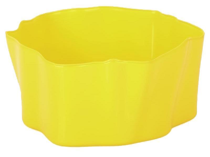 Органайзер Qualy Flow, цвет: желтый, 25,5 х 25,5 х 11,5 смQL10143-YWОрганайзер Qualy Flow может пригодиться на кухне, в ванной, в гостиной, на даче, на природе, в городе, в деревне. В него можно складывать фрукты, овощи, хлеб, кухонные приборы и аксессуары, всевозможные баночки, можно использовать органайзер как мусорную корзину, вазу. Все зависит от вашей фантазии и от хозяйственных потребностей! Пластиковый оригинальный органайзер пригодится везде!