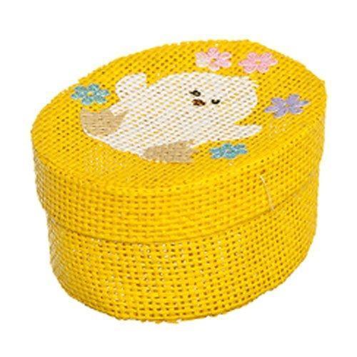Шкатулка декоративная Home Queen Цыпленок, цвет: желтый, 10,5 см х 8 см х 5 см66860_5Овальная шкатулка Home Queen Цыпленок изготовлена из бумаги. Крышка изделия украшена рельефным рисунком в виде цыпленка. Изящная шкатулка прекрасно подойдет для упаковки пасхального подарка для детей и взрослых, а также красиво украсит интерьер комнаты.