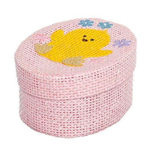 Шкатулка декоративная Home Queen Цыпленок, цвет: розовый, 10,5 см х 8 см х 5 см66860_1Овальная шкатулка Home Queen Цыпленок изготовлена из бумаги. Крышка изделия украшена рельефным рисунком в виде цыпленка. Изящная шкатулка прекрасно подойдет для упаковки пасхального подарка для детей и взрослых, а также красиво украсит интерьер комнаты.